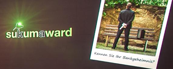 Kinoleinwand mit Bildern des Sukuma Award